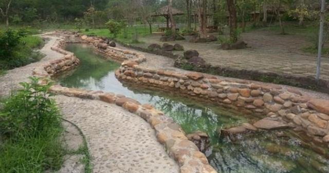 kênh nước suối nước nóng Thanh Tân