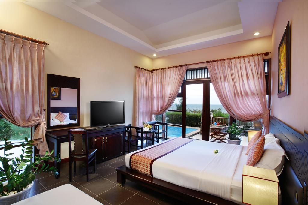 Phòng ngủ tại Romana resort & spa Mũi Né