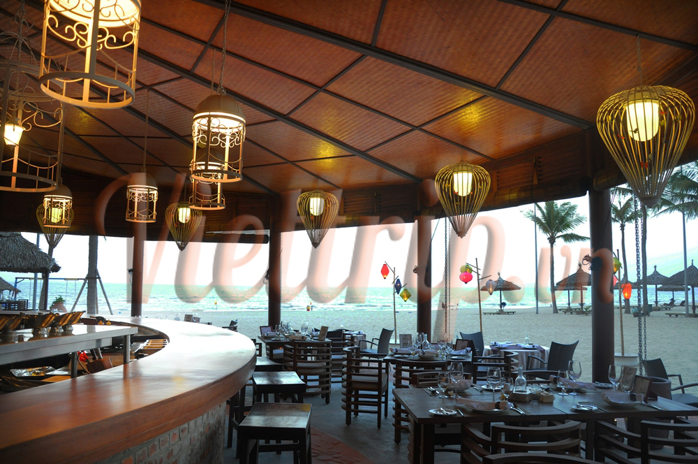 furama-villas-danang-restaurant-Steak-House-The-Fan-canhodulich